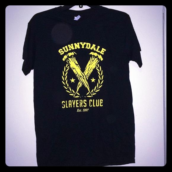 Gildan Tops - Buffy the Vampire Slayer Exclusive T-shirt